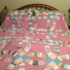 Antique Quilt #2a  12-2014 hand quilted